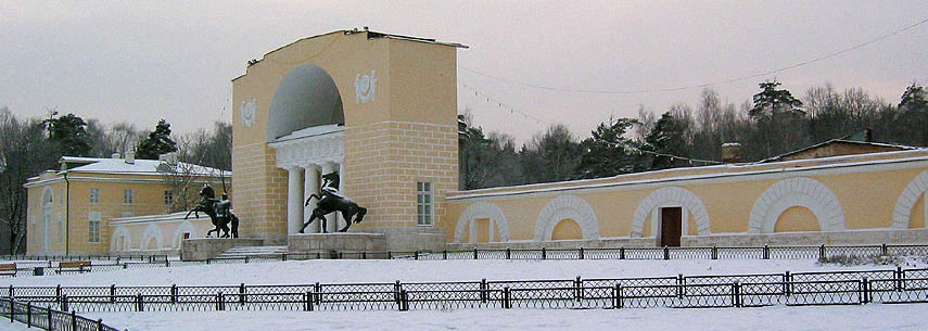 Horse tamer statues in Moscow